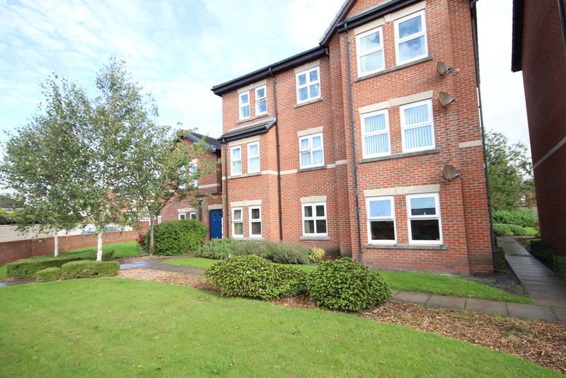 2 Bedrooms Flat for sale in Princes Gardens, Oak Street, Southport