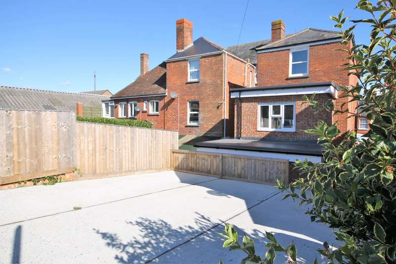 2 Bedrooms Ground Flat for sale in Freshwater, Isle of Wight