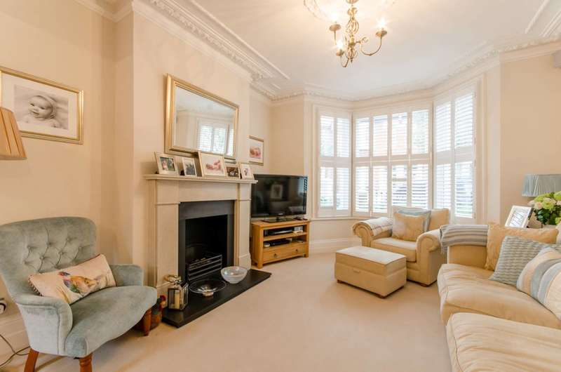 4 Bedrooms House for sale in Dynham Road, West Hampstead, NW6