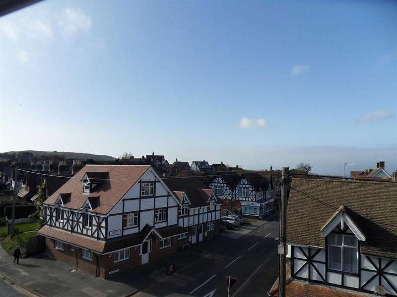 1 Bedroom Apartment Flat for sale in The Broadway, Totland Bay