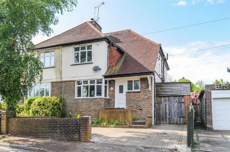 3 Bedrooms Semi Detached House for sale in Howard Road, Arundel