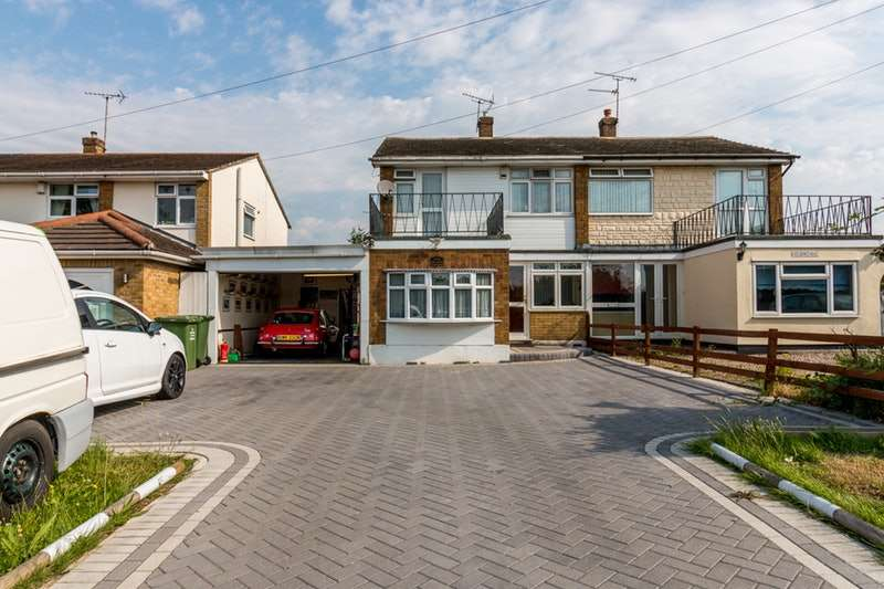 3 Bedrooms Semi Detached House for sale in London Road, Bowers Gifford, Essex, SS13