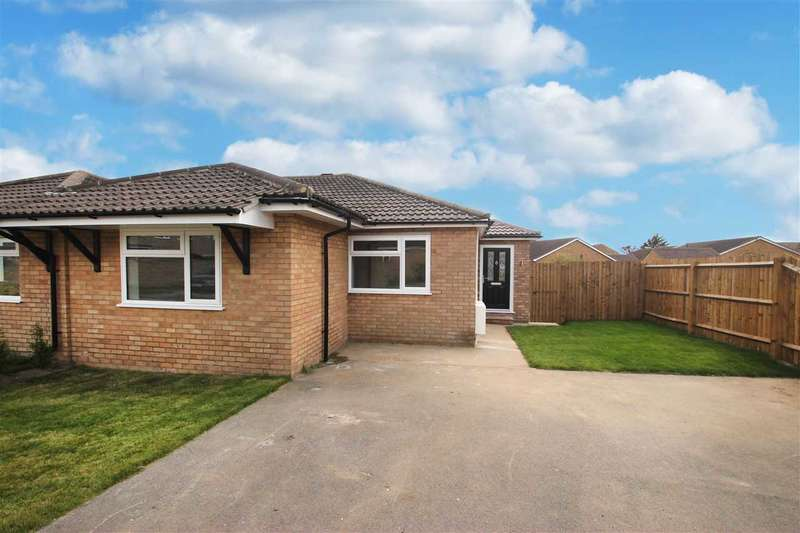 2 Bedrooms Bungalow for sale in Epping Close, Great Clacton