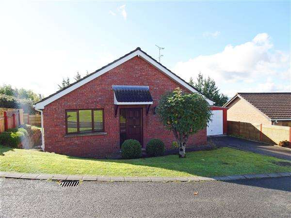 2 Bedrooms Bungalow for sale in 24 Meadow Lane