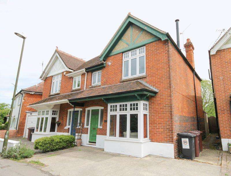 3 Bedrooms Semi Detached House for sale in Westbourne Road, Westbourne
