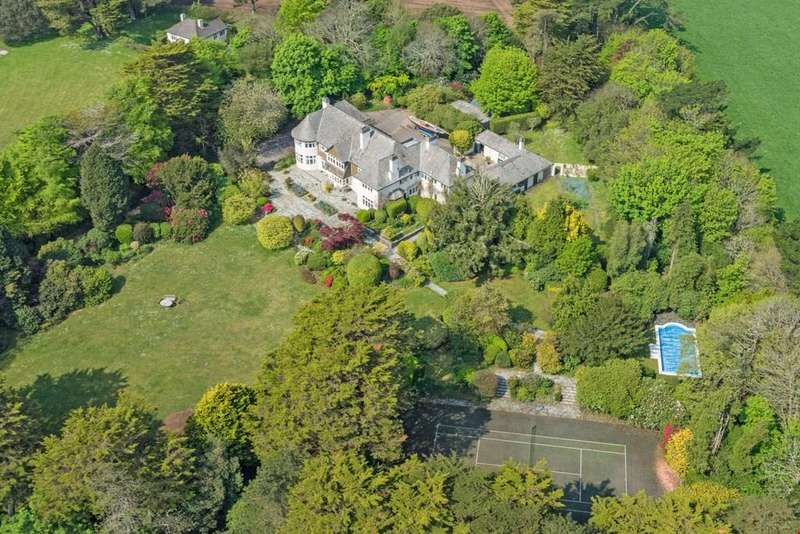 5 Bedrooms Detached House for sale in Nr. Falmouth, South Cornwall , TR11