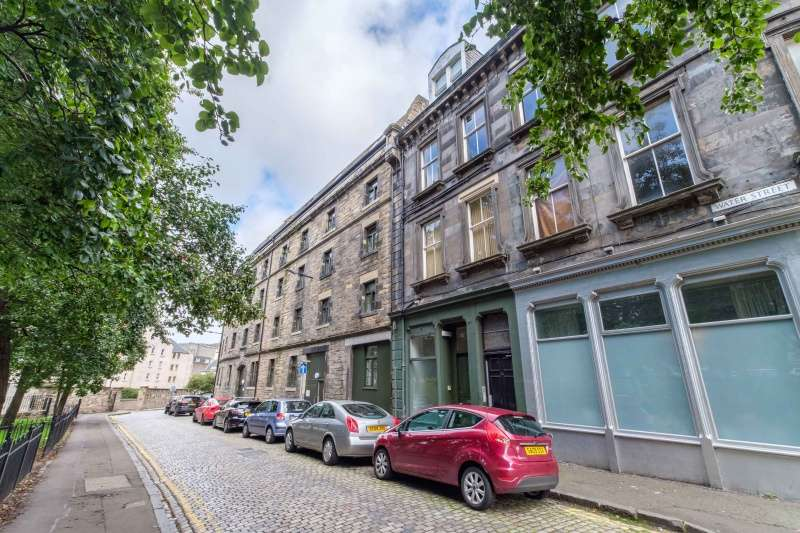 3 Bedrooms Flat for sale in Water Street, The Shore, Edinburgh, EH6 6SU