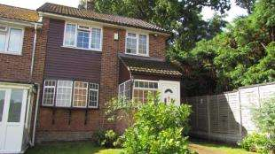 3 Bedrooms End Of Terrace House for sale in Woodcrest Walk, Reigate, Surrey