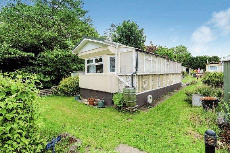 1 Bedroom Park Home Mobile Home for sale in Pond Cottage Lane, West Wickham