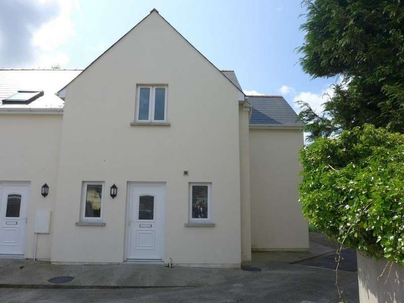 3 Bedrooms Semi Detached House for sale in Portfield, Haverfordwest, Pembrokeshire
