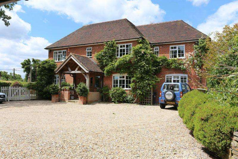 6 Bedrooms Detached House for sale in Lodge Lane, Bolney