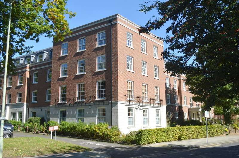 1 Bedroom Retirement Property for sale in Peel Court, College Way, Welwyn Garden City, AL8