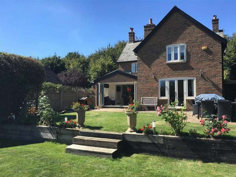 4 Bedrooms Detached House for sale in Crichel Lane, Wimborne, Dorset