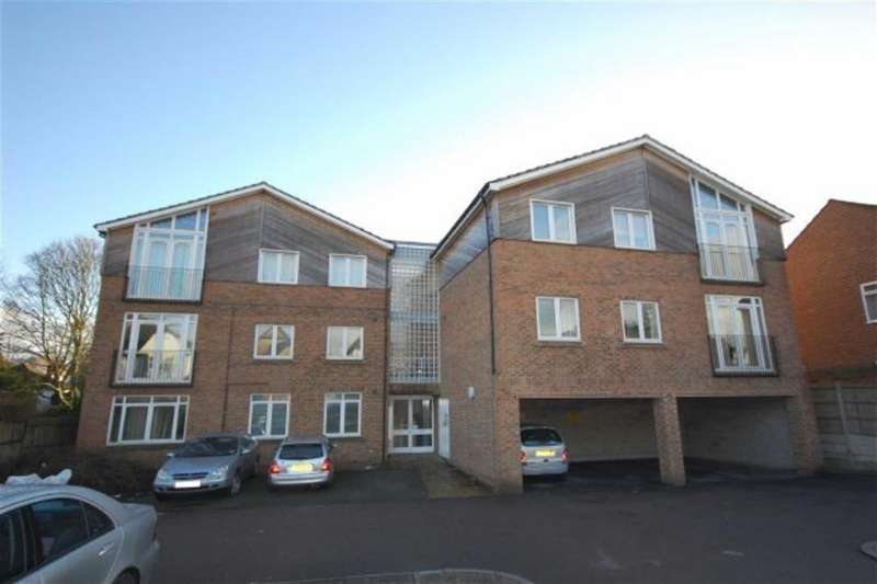 2 Bedrooms Apartment Flat for sale in Rickmansworth Road, Watford, Herts