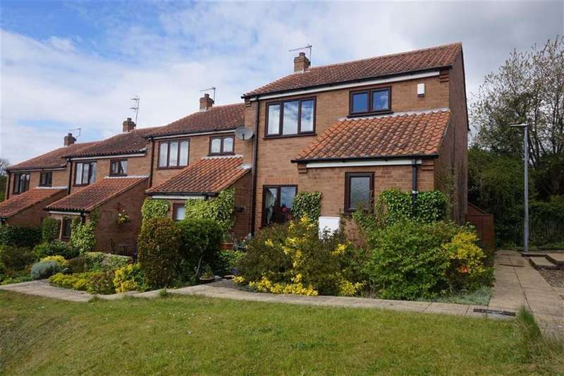 3 Bedrooms Town House for sale in Raikes Court, Welton, Welton, HU15