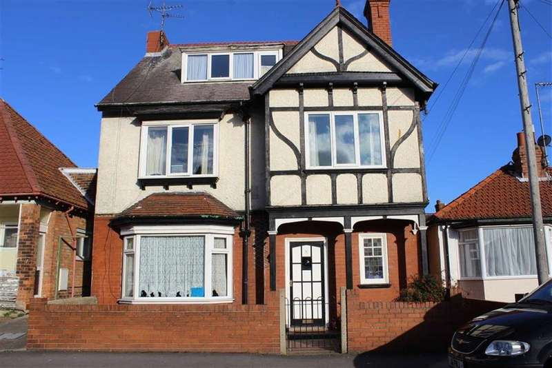 6 Bedrooms Detached House for sale in Hill Street, Bridlington, East Yorkshire, YO16