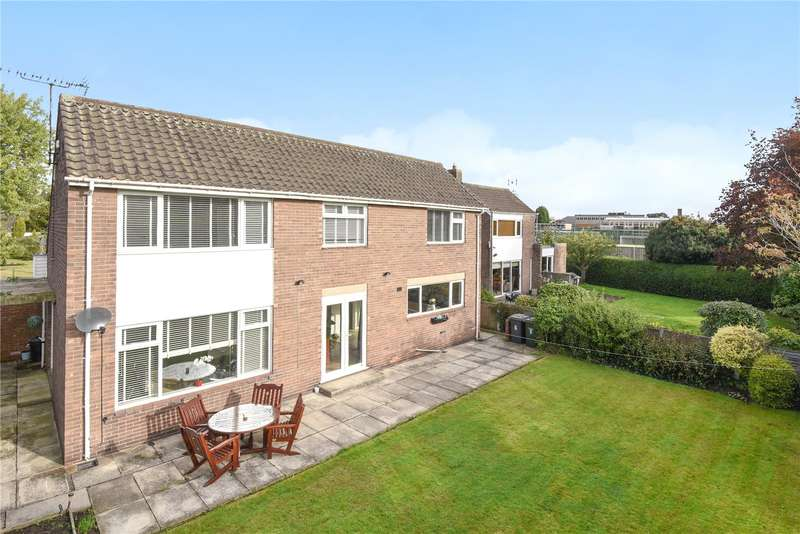 3 Bedrooms Detached House for sale in White Lodge, Leeds Road, Selby, YO8
