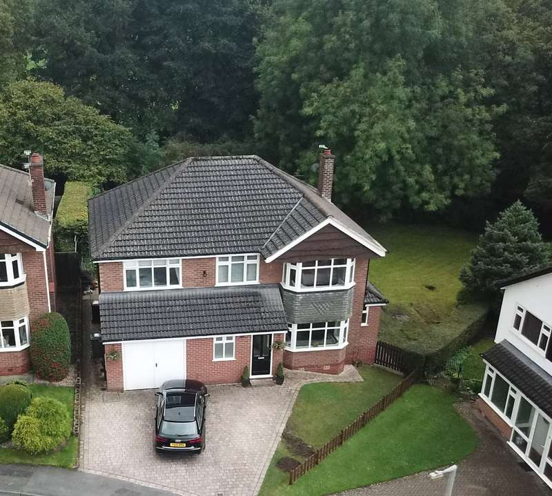 4 Bedrooms Detached House for sale in Linksway, Gatley