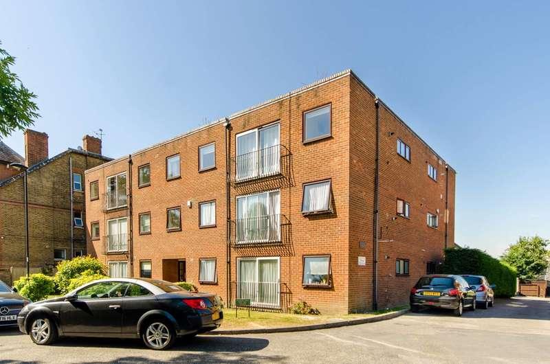 2 Bedrooms Flat for sale in The Ridgeway, The Ridgeway, EN2