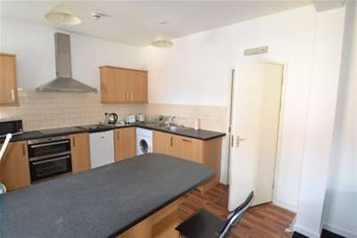 8 Bedrooms Flat for rent in 99PPPW Alfreton Road, Nottingham NG7