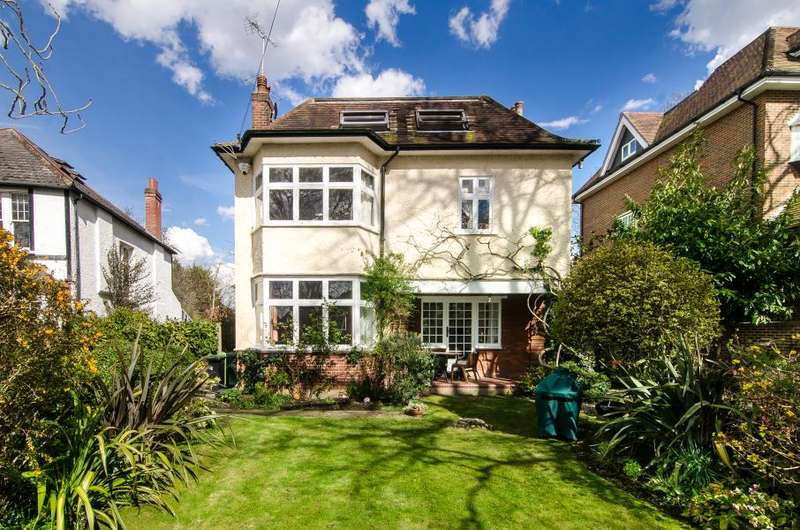 6 Bedrooms Detached House for sale in Albany Park Road, Kingston upon Thames, KT2