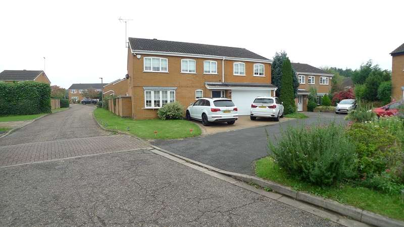 6 Bedrooms Detached House for sale in Dunsberry , Bretton, Peterborough, Cambs. PE3 8LB