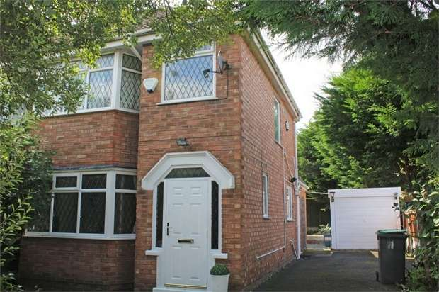 3 Bedrooms Semi Detached House for sale in Blackpool Road, Blackpool, Lancashire