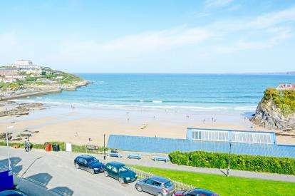 2 Bedrooms Flat for sale in The Crescent, Newquay, Cornwall