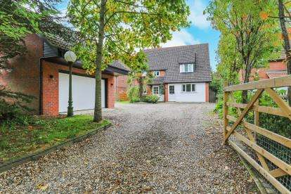 5 Bedrooms Detached House for sale in Old Buckenham, Norwich, Norfolk