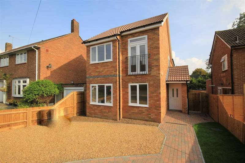 3 Bedrooms Detached House for sale in NEWLY BUILT 3 BED DETACHED - ENSUITE SHOWER ROOM, HP3