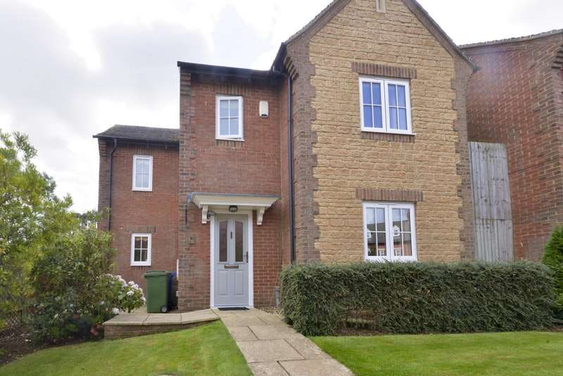 4 Bedrooms Detached House for sale in The Tythings, Middleton Cheney, Oxfordshire, OX17