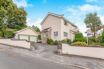 4 Bedrooms Detached House for sale in Chudleigh, Newton Abbot, Devon