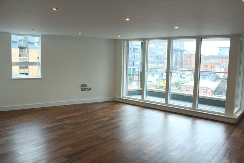 3 Bedrooms Flat for sale in Alumni Buildings, George Leigh Street