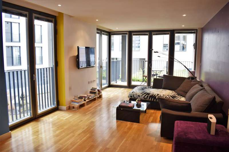 3 Bedrooms Apartment Flat for sale in The Hub, 5 Piccadilly Place, Manchester, M1 3BR