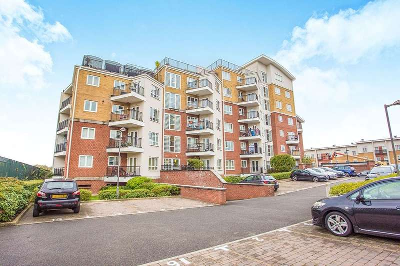 1 Bedroom Flat for sale in The Gateway, Watford, WD18