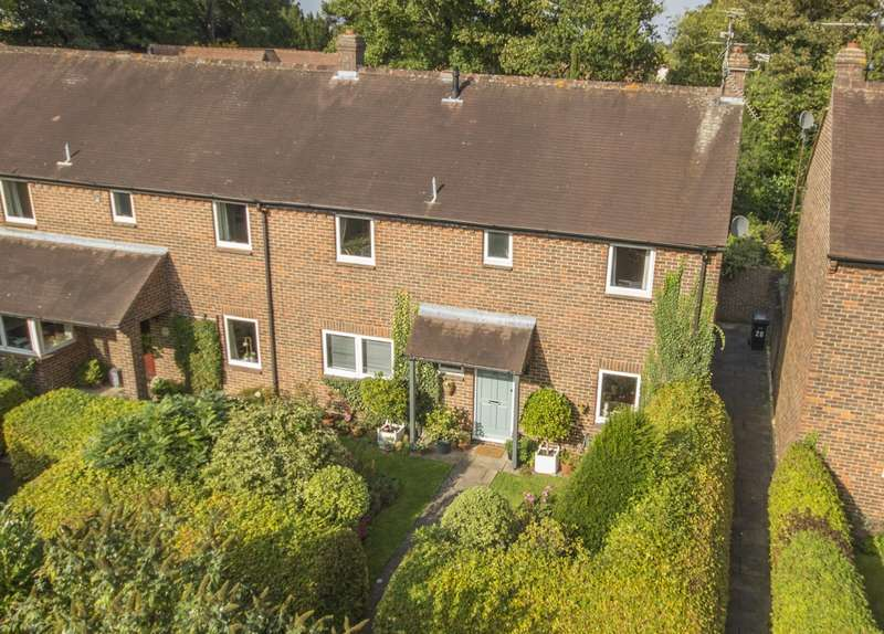 4 Bedrooms Semi Detached House for sale in Wood Green, Woodcote, Reading, RG8