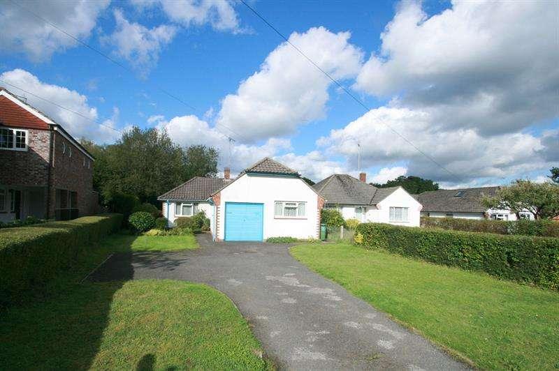 3 Bedrooms Detached Bungalow for sale in Castle Road, ROWLAND'S CASTLE
