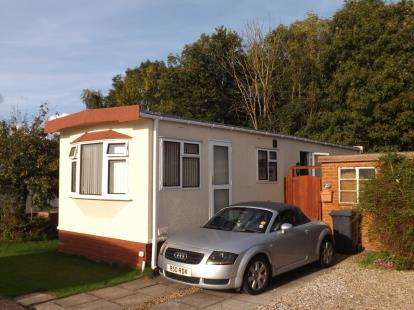 2 Bedrooms Bungalow for sale in Gamston Mobile Home Park, Bassingfield Lane, Gamston, Nottinghamshire