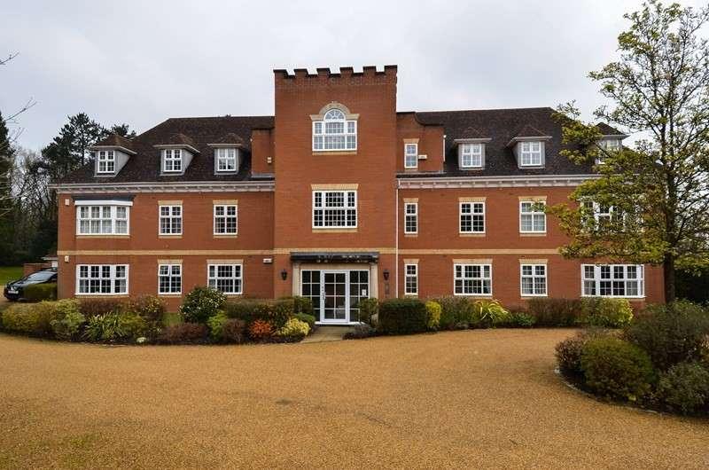 2 Bedrooms Apartment Flat for sale in Greenhurst Drive, Barnt Green, Birmingham