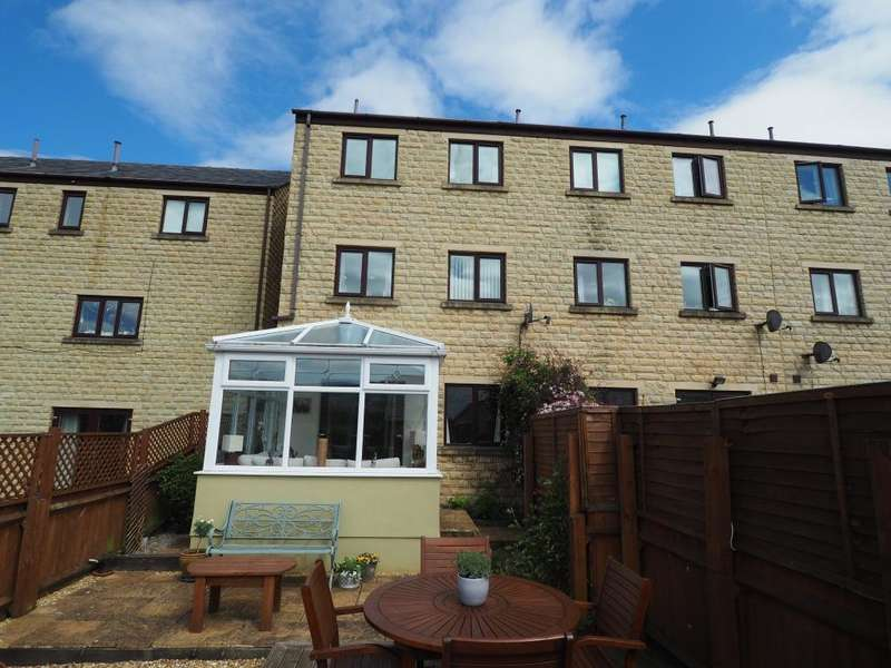 4 Bedrooms End Of Terrace House for sale in Cotton Close, Whaley Bridge, High Peak, Derbyshire, SK23 7GG