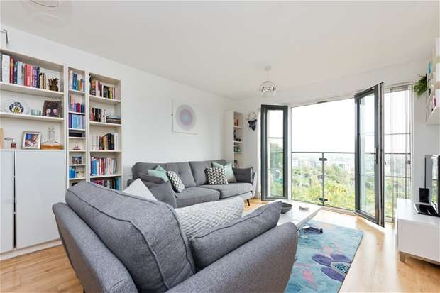 2 Bedrooms Flat for sale in Rye Hill Park, Peckham