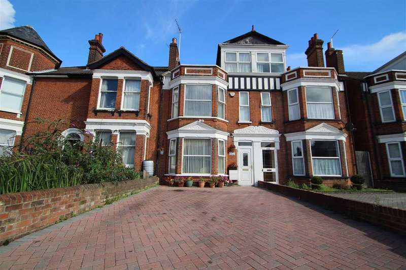 6 Bedrooms Terraced House for sale in Norwich Road, Ipswich