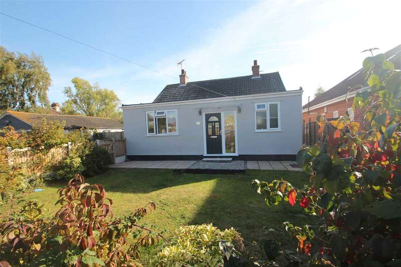 3 Bedrooms Bungalow for sale in Homestead Gardens, Great Clacton
