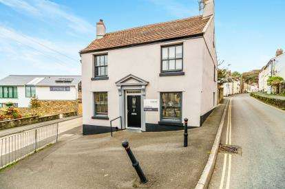 2 Bedrooms Flat for sale in 57 Church Street, Kingsbridge, Devon