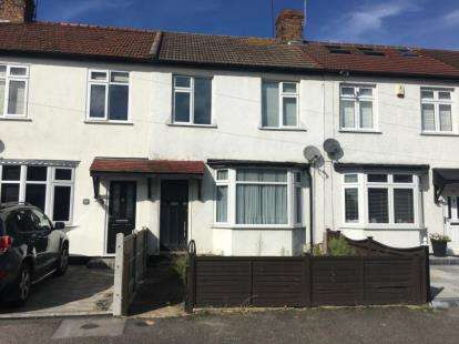 3 Bedrooms Terraced House for sale in Hornchurch, Romford