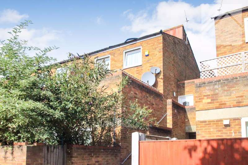 2 Bedrooms Maisonette Flat for sale in Elm Green, Basildon - You get a lot for your money