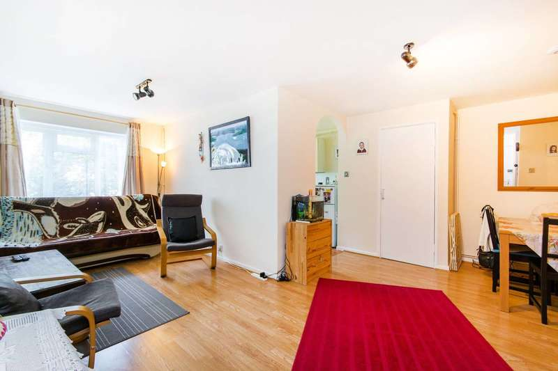 2 Bedrooms Maisonette Flat for sale in Stanley Park Road, Wallington, SM6