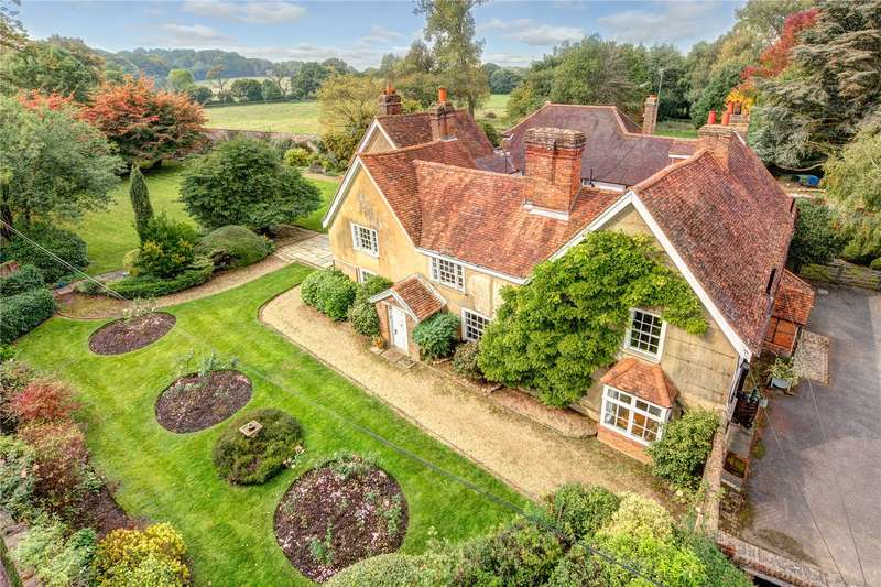 4 Bedrooms House for sale in Redhall Lane, Chandlers Cross, Rickmansworth, WD3