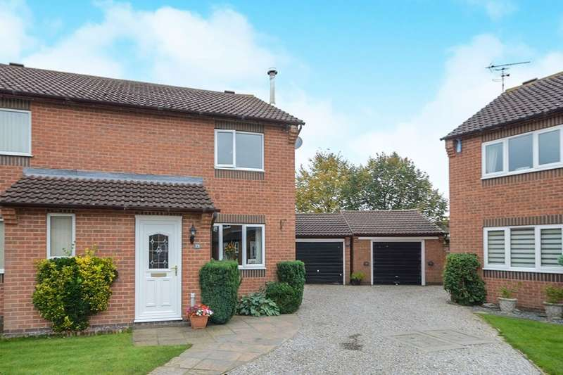 2 Bedrooms Semi Detached House for sale in Middlecroft Drive, Strensall, York, YO32