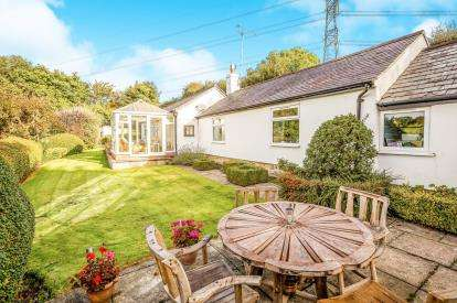 2 Bedrooms Detached House for sale in The Nant, Pentre Halkyn, Holywell, Flintshire, CH8